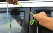 Как открыть дверь УАЗ Патриот без ключа